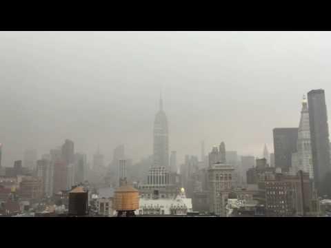 Cae rayo en el Empire State de Nueva York