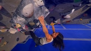 Linda Joined Us And She Found a V7 To Battle This Bouldering Session! by Eric Karlsson Bouldering