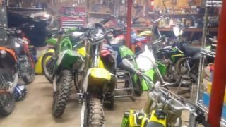 9. Rm125, 2007 Big SAL'S GARAGE  Father/son biker build off #4 (turn fuel on)
