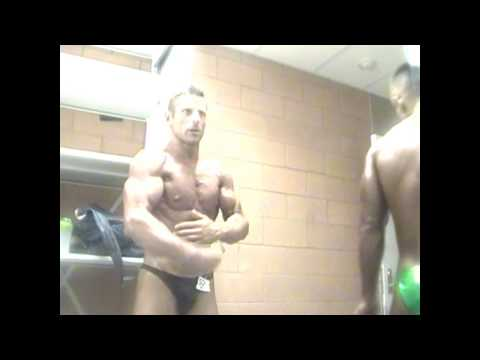 Mr. peak Marco Addis flex his famous biceps in the back stage before his victory. L.A. world cup 013