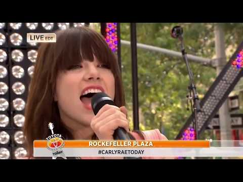 Carly Rae Jepsen - Call Me Maybe (8.23.2012)(Today Show HD)