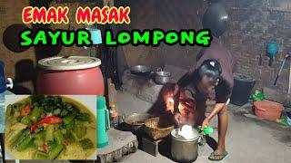 Video Emak masak sayur LOMPONG  |  masakan emak di desa MP3, 3GP, MP4, WEBM, AVI, FLV Juli 2019