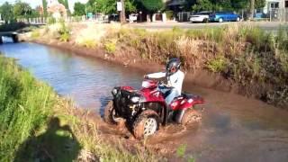 10. 2010 Polaris Sportsman 550 XP