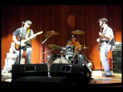 The Scott Little Band plays at VSU