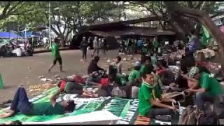 Video Ribuan Bonek Telah Tiba di Bandung Demi Kawal Nasib Persebaya di Kongres PSSI MP3, 3GP, MP4, WEBM, AVI, FLV Januari 2019