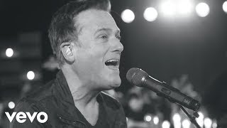 Michael W. Smith - Surrounded (Fight My Battles) songtext. | [Intro]