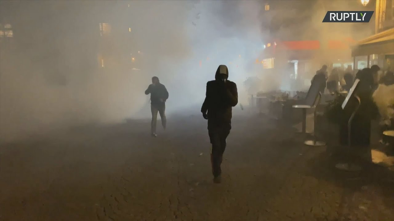 Γαλλία: Eπεισόδια και δακρυγόνα στο Παρίσι καθώς οι διαδηλωτές αντιδρούν  ενάντια στο λοκντάουν