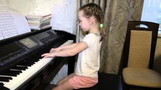 Журавли.Дети поют. Виктория 5 лет.