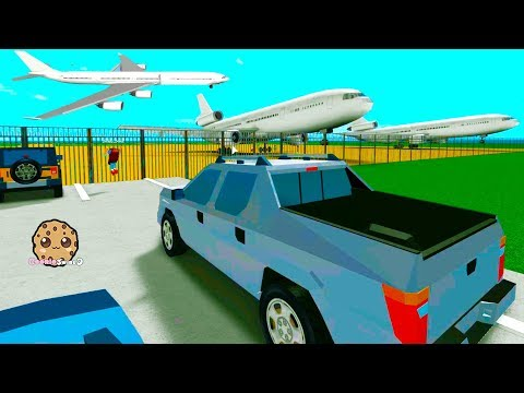 Flying In The Sky ! Airplane Roblox Game Play Cookie Swirl C Video (видео)