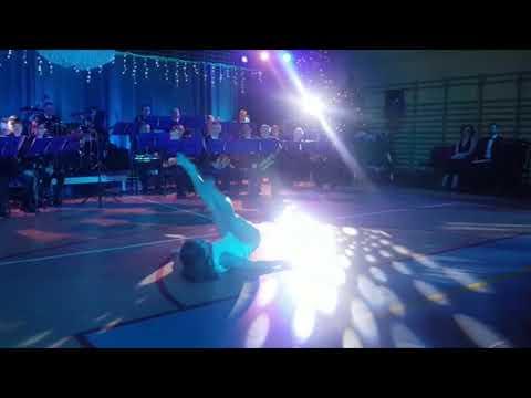 Wideo1: Muzyka, śpiew i taniec w Masłowie