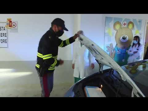 Итальянские полицейские спасают жизни на Lamborghini Huracan