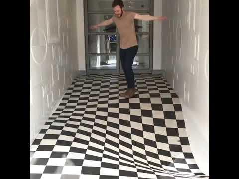 Оптическая иллюзия вместо пола, чтобы клиенты не падали 1