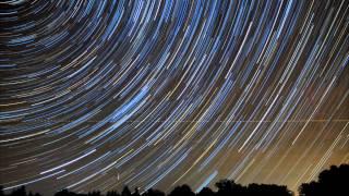 Time Lapse - Nuit étoilée en Limagne (63) - HD