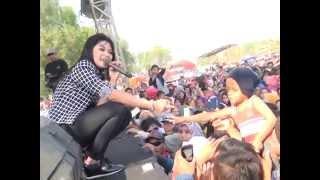 KANGGO RIKO (RATNA ANTIKA)  LASKAR KABUNAN MONATA Live In Ngemboh Ujungpangkah Gresik
