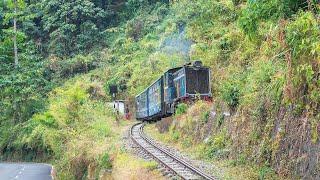 Video Darjeeling Himalayan Railway - 'Z' reverse No. 1 MP3, 3GP, MP4, WEBM, AVI, FLV Mei 2019