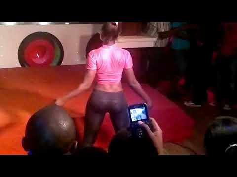 Video Of Nigeria Girls Dancing In The Club
