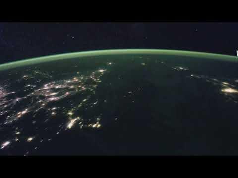 NASA衛星拍攝下亞洲地區夜景,當衛星定格在北韓時卻突然出現驚人一幕!