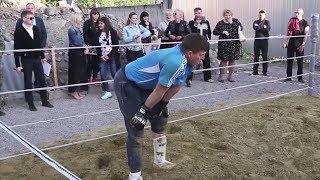 Konfrontacja rolnika z zawodnikiem MMA!