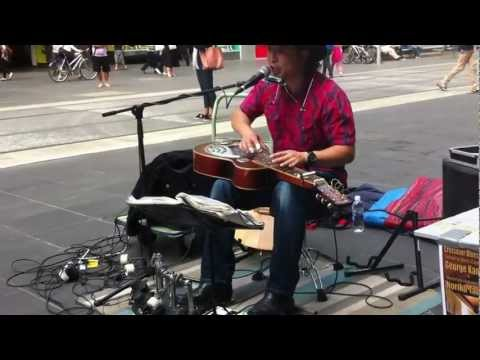 George Kamikawa: Blues - One man band - brilliant stree ...