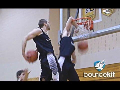 素人籃球員的灌籃新梗,會讓所有要參加NBA灌籃大賽的選手想要偷去用!