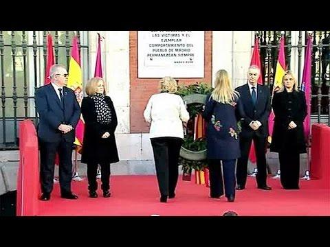 Τίμησαν τα θύματα των τρομοκρατικών επιθέσεων στη Μαδρίτη