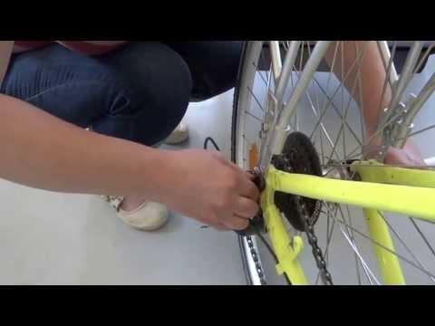 Attelage d'une carriole (pour enfant, chien, bagages ..) derrière un vélo