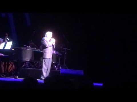 Tony Bennett  / Segerstrom hall(Nat King Cole cover) 'smile'/ Costa Mesa CA 10/23/16