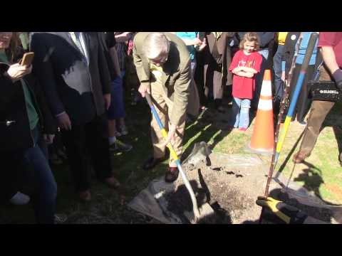 Scene@W&M: Planting the Newton tree