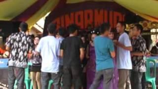 Khitanan Rafi   Bangreng Sinar Muda   Kasenian Sunda   di Desa Bangbayang sumedang Situraja   Mabuk