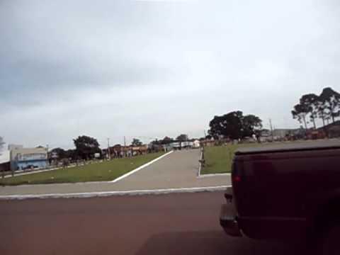 Helicóptereo Apavorando Em Roncador Pr. NA PRAÇA!