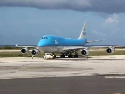 KLM  Boeing 747-400 pushback and take off (must watch!)