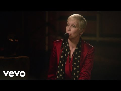 Tekst piosenki Annie Lennox - Memphis In June po polsku