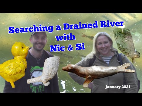 Mudlarking a Drained River with Nic & Si  - Do we find Trash or Treasure? You Decide