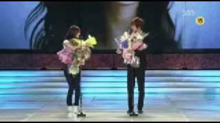 Download Video Kim Hyun Joong & Yoona @ Baeksang Arts Awards MP3 3GP MP4