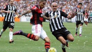 O duelo pela vice-liderança, entre Atlético-MG e Flamengo, pela 33ª rodada do Campeonato Brasileiro, pedia ingredientes de...