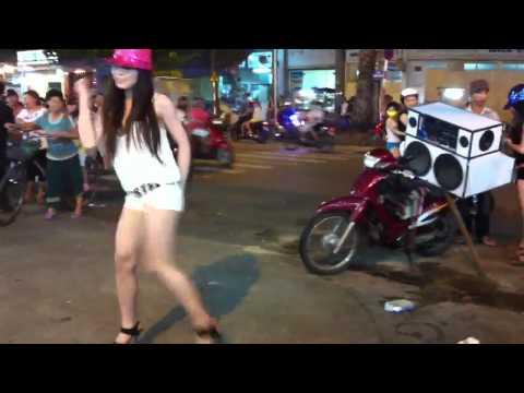 帶你見識越南街頭春光