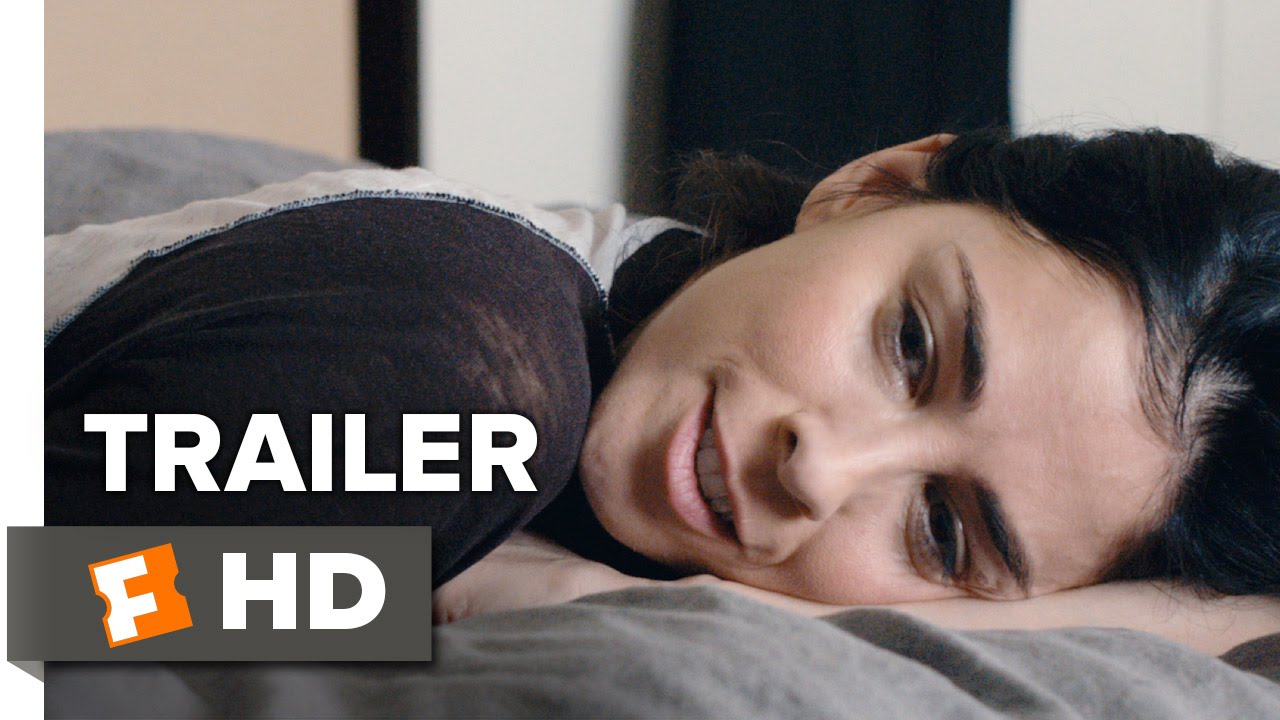 Trailer: Self Destructive Sarah Silverman fights Depression & Does Bad Things in 'I Smile Back'