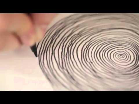 sembra disegnare una spirale ma il risultato finale è un capolavoro!