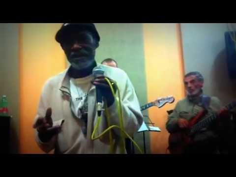 VIVAN JONES •LEGALIZE GANJA• backed by DUBASS FAMILY BAND