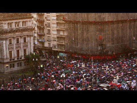 Αργεντινή: Διαδηλώσεις εν μέσω οικονομικής κατάρρευσης…