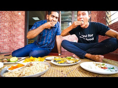 Arab Kenyan Food - COCONUT GRILLED FISH + Tour with Chef Ali Mandhry in Mombasa, Kenya!