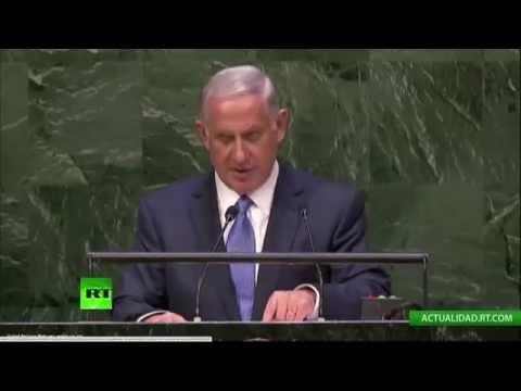 Netanyahu - En el marco de la 69ª Asamblea General de la ONU, el primer ministro de Israel, Benjamin Netanyahu hace su discurso. ¡Suscríbete a RT en español! http://www.youtube.com/user/ActualidadRT?sub_...