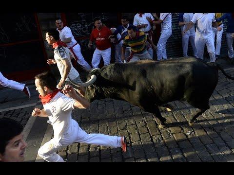 Corrida de toros, con la fiesta de San Fermin, España