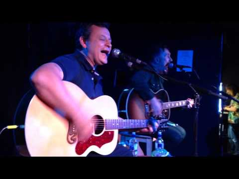 , title : 'Andy Cairns - Die Laughing (feat James Dean Bradfield) (Live)'