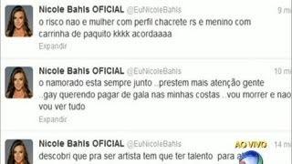 A modelo deu suas alfinetadas no Twitter e afimou que o filho de Edson Celulari e Cláudia Raia é homossexual. Veja ainda a provocação de Melancia em cima ...