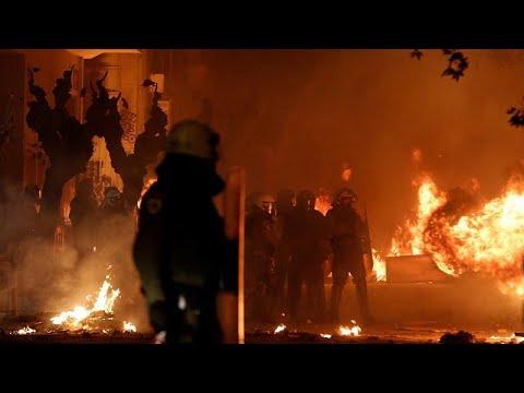 Griechenland: Tränengas gegen Brandbomben in Athen