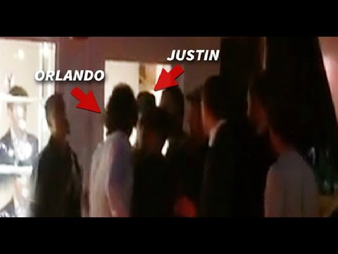 gets - Orlando Bloom allegedly tried to punch Canadian pop singer Justin Bieber at a restaurant in Spain early Wednesday morning. Amateur footage of the alleged incident posted on TMZ shows Bieber...