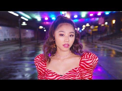 , title : 'RIRI New Single「HONEY」Music Video'