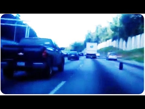 Falls - Vote for JukinVideo in the Streamy's. CLICK HERE: http://bit.ly/JukinVideoStreamy As this car travels down the highway, its tire falls off! The car driver either doesn't realize the tire has...