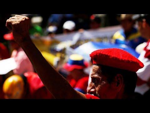 Βενεζουέλα: Συγκεντρώθηκαν ένα εκατομμύριο υπογραφές για την ανατροπή Μαδούρο